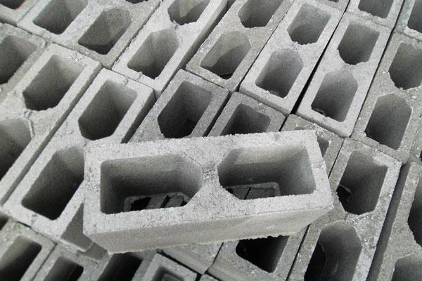Trabalhando com blocos vazados - Inova Concreto